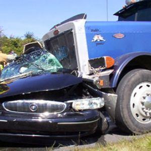 18 Wheeler Truck Wrecks